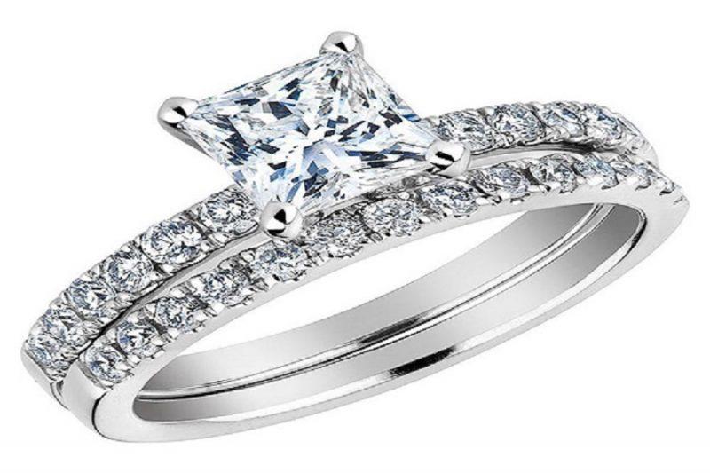 Khám phá những kiểu nhẫn vàng trắng đính kim cương đẹp