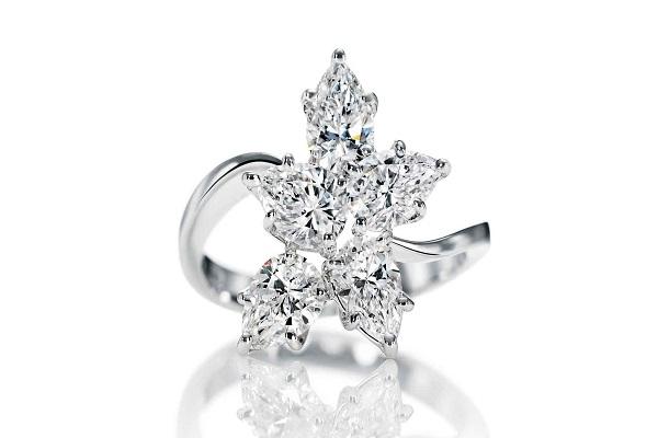 những mẫu nhẫn kim cương cách điệu
