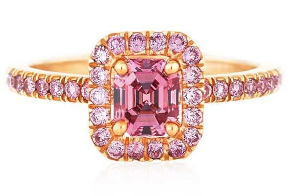 hình ảnh nhẫn cưới kim cương đính đá đầy đủ sắc màu