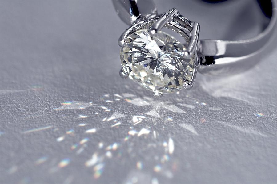 nhẫn kim cương 5 ly