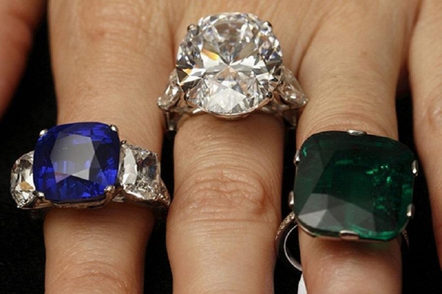 nhẫn đính kim cương