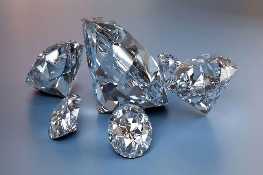 Một chiếc nhẫn kim cương bao nhiêu tiền?