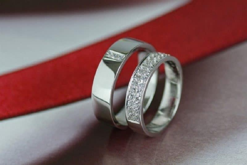 Kinh nghiệm chọn mua nhẫn cưới bằng kim cương không phải ai cũng biết