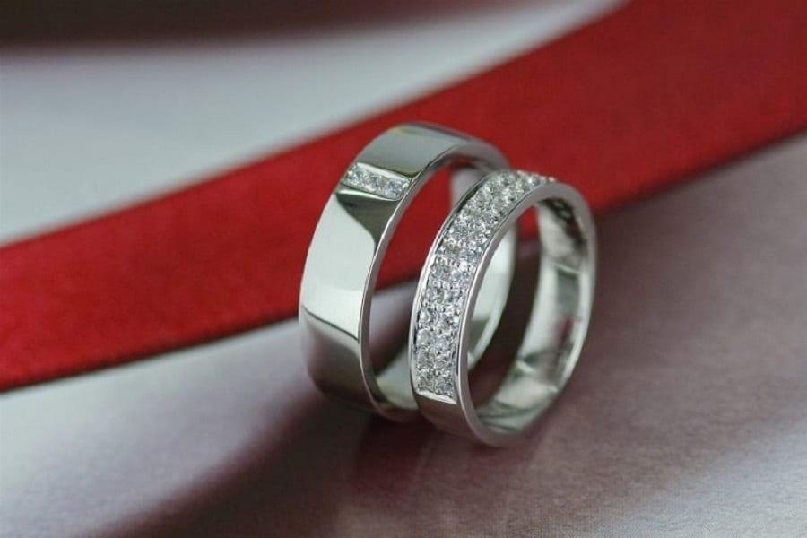 nhẫn cưới bằng kim cương