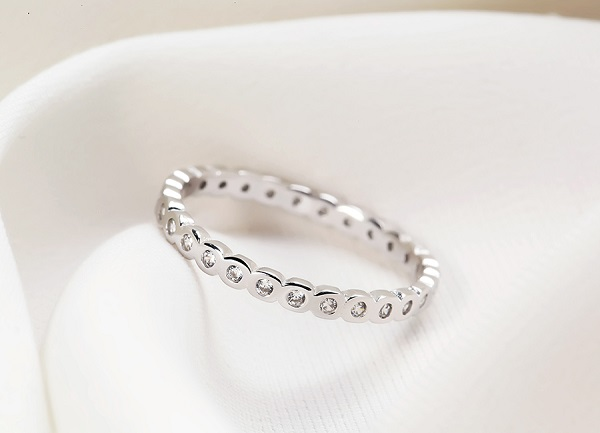 Nhẫn kim cương đơn giản tinh tế