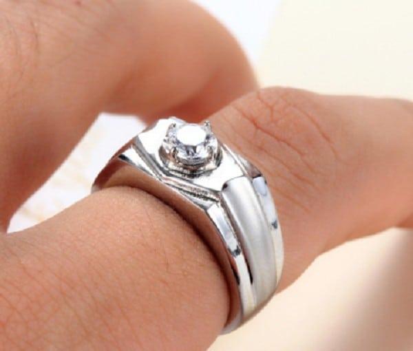 Kiểu nhẫn kim cương đơn giản