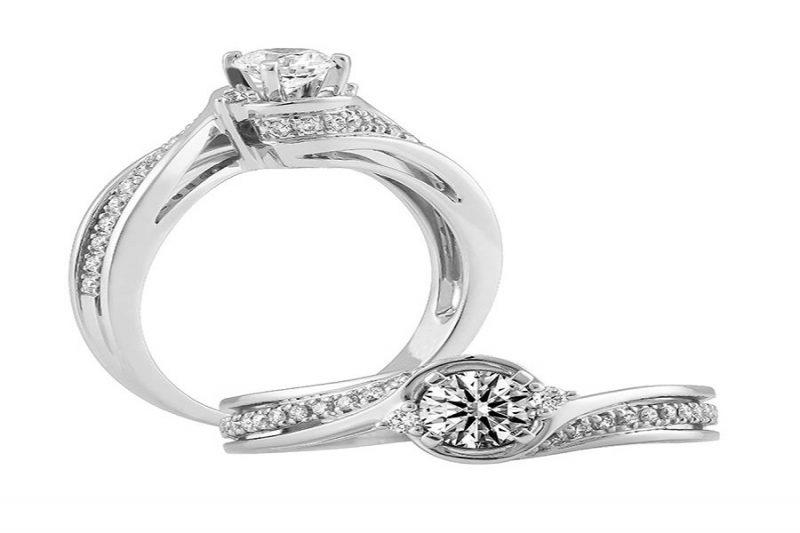 Mách bạn những điều cần biết khi mua nhẫn cưới kim cương tự nhiên