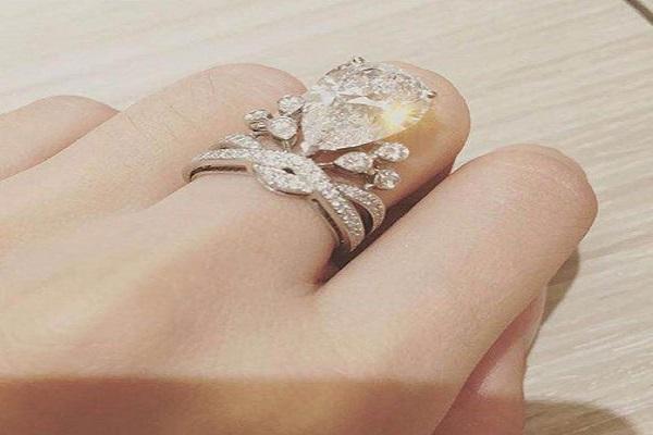 Hạt kim cương luôn trong và tinh khiết hơn các loại đá khác