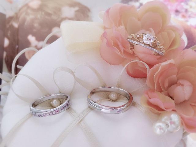 Nhẫn cưới kim cương kiểu cổ điển nhưng sang trọng