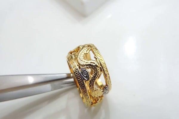 Về mặt kinh tế nhẫn vàng tây nam 10k rẻ hơn so với các loại vàng khác