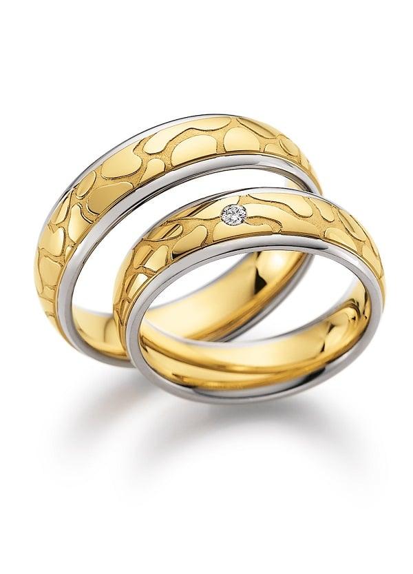 Giá nhẫn vàng Ý nam được tính như thế nào?