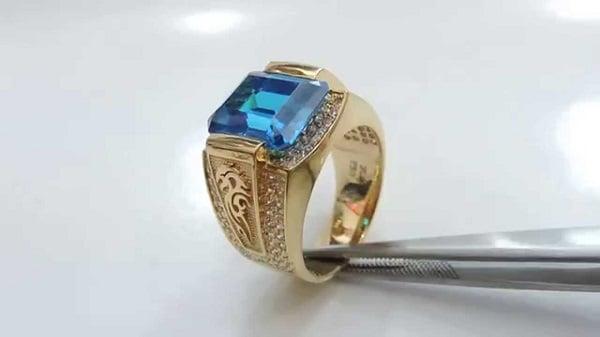 Mẫu nhẫn vàng tây nam đẹp đính đá Topaz