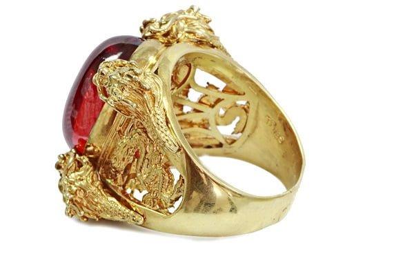 Mẫu nhẫn vàng tây nam rồng ôm ngọc