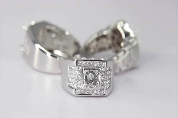 Những yếu tố ảnh hưởng tới giá cả nhẫn kim cương nam