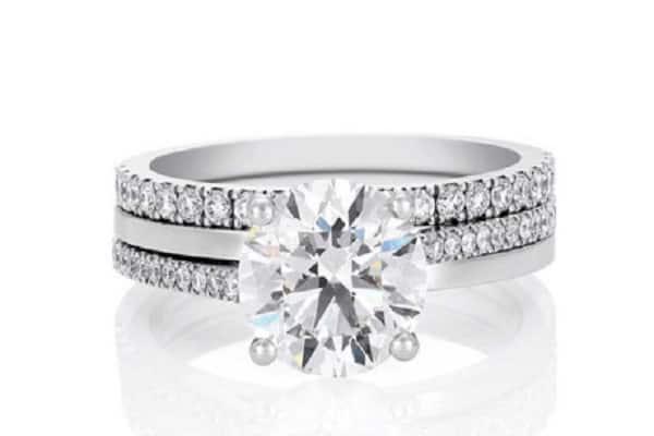 Hình ảnh nhẫn kim cương với giác cắt fancy