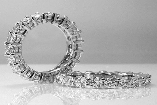 Chọn nhẫn đính kim cương khi nắm rõ về cách phân biệt ly và Carat