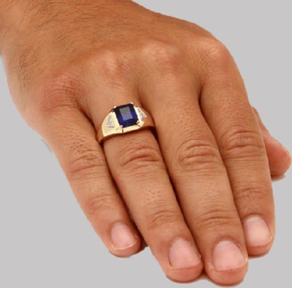 Không đeo quá nhiều nhẫn trên tay