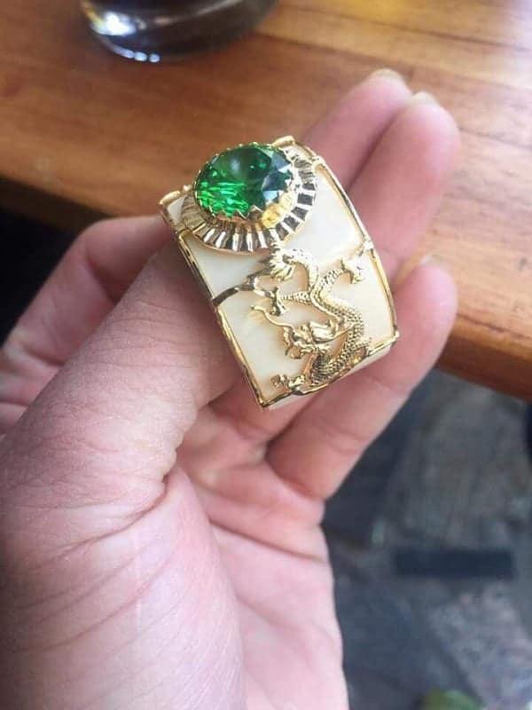 Mẫu nhẫn vàng nam hình rồng thể hiện quyền lực