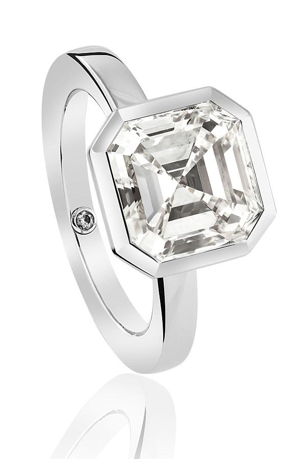 Nhẫn kim cương vuông không lo lỗi mốt