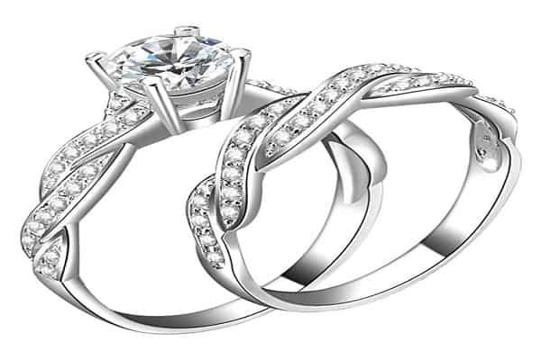 Mẫu nhẫn kim cương đẹp với những đường xoắn độc đáo