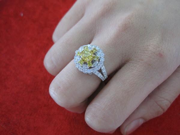 Nhẫn kim cương nữ từ vàng trắng