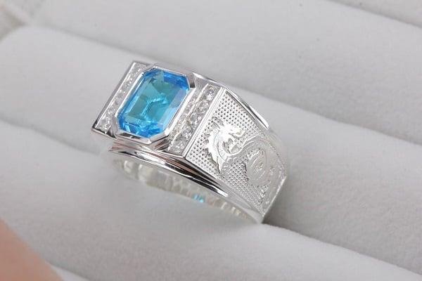 Nhẫn vàng nam mặt đá đối với nam giới thích phong cách lịch lãm