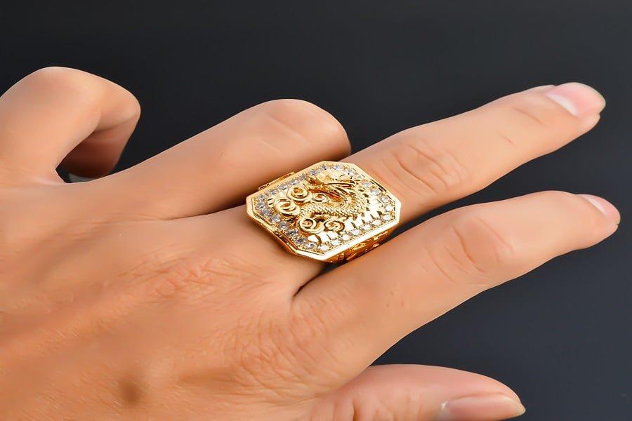nhẫn vàng tây nam mặt đá