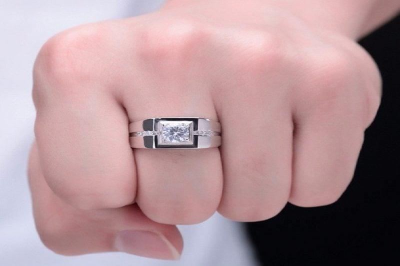 Nhẫn nam kim cương tự nhiên – Đẳng cấp cho các quý ông