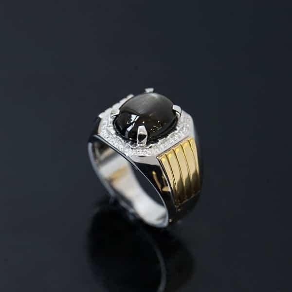 Nhẫn vàng kim cương nam làm từ chất liệu vàng trắng, vàng hồng