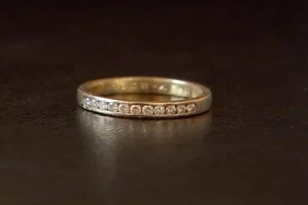 Nhẫn vàng kim cương nam cổ điển