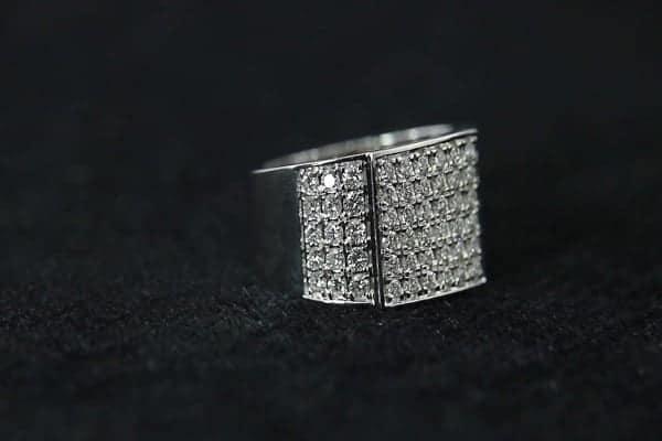 Nhẫn vàng trắng kim cương nam