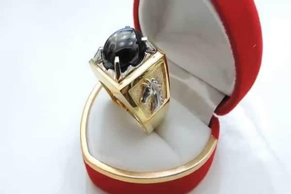 Nhẫn vàng nam mặt đá đen sapphire