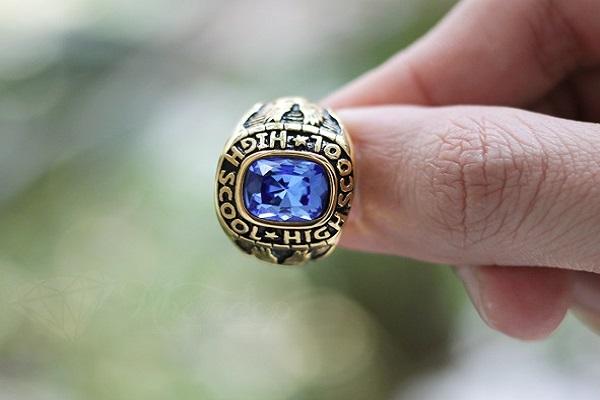 Vỏ nhẫn kim cương nam theo kiểu truyền thống