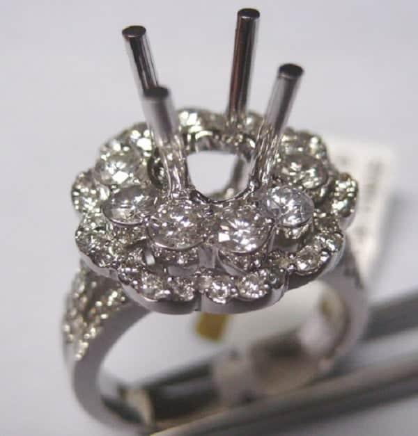 Mẫu ổ nhẫn kim cương đẹp 4 chấu