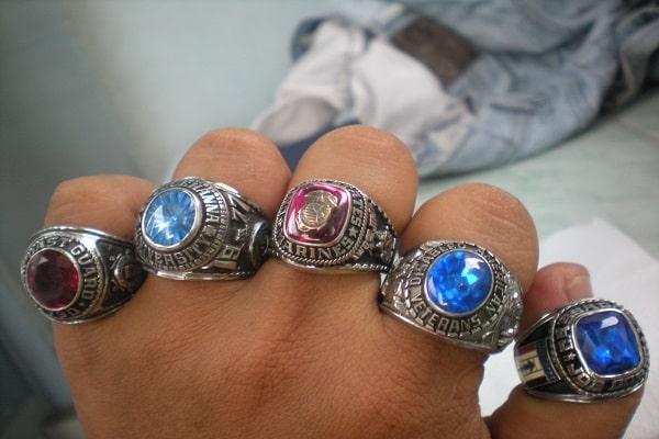 Nhẫn kim cương nam đẹp với những nét cổ điển