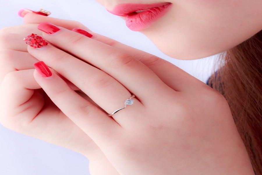 mẫu nhẫn vàng tây nữ đẹp