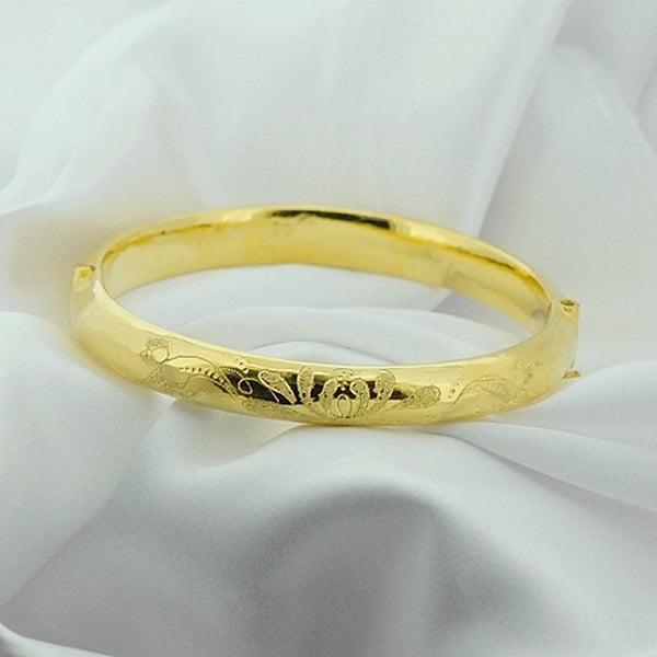 Một số chất liệu đặc trưng được sử dụng chế tạo nhẫn vàng