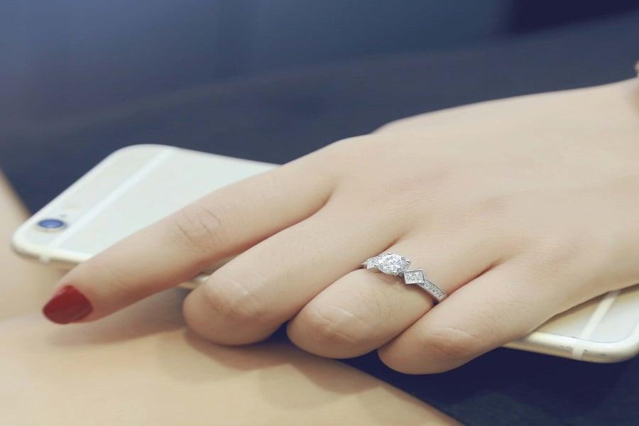 mua nhẫn vàng nữ