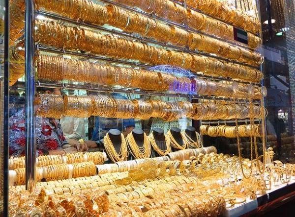 Chú ý lựa chọn những cửa hàng bán nhẫn vàng nữ uy tín