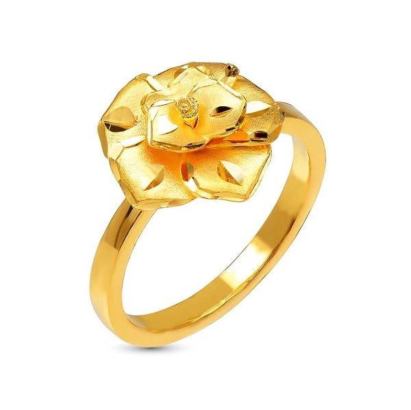 Vàng tây là loại chất liệu được tạo ra bằng cách nung chảy vàng nguyên chất và kim loại