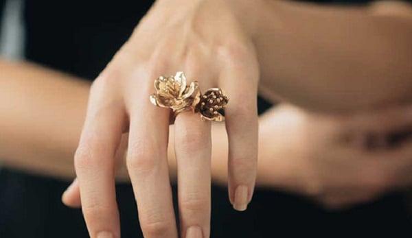 Mẫu nhẫn nữ vàng 18k hình hoa lá