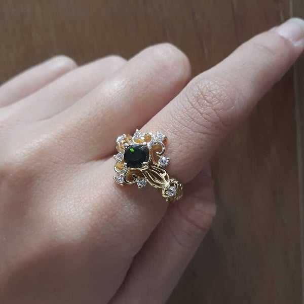 Mẫu nhẫn nữ vàng tây đẹp đính đá Granite