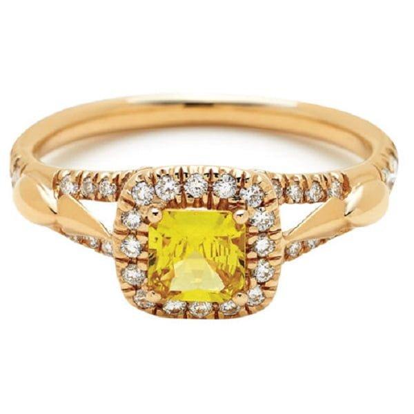 Mẫu nhẫn vàng tây của nữ theo phong cách cổ điển