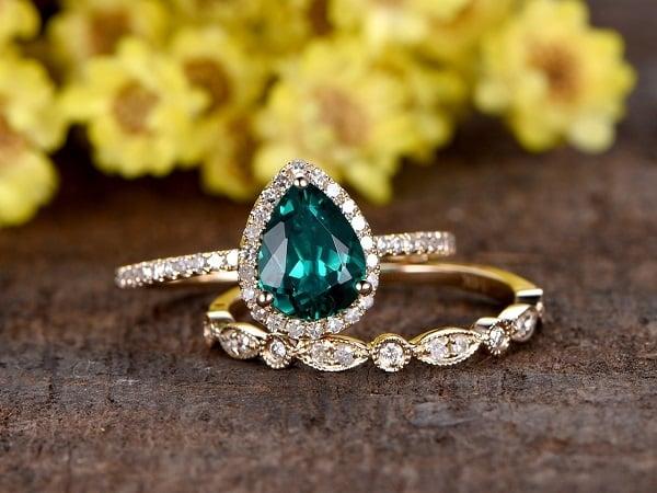 Nhẫn vàng ta nữ đính đá hợp với mệnh chủ nhân sẽ mang đến nhiều may mắn