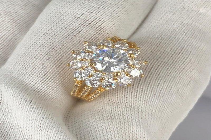 Bật mí cách tính giá nhẫn nữ vàng tây 18k và kinh nghiệm mua nhẫn