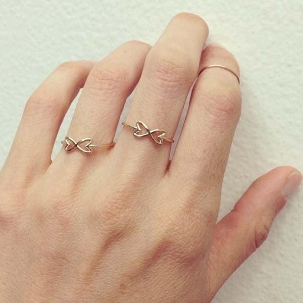 Nhẫn nữ vàng tây đã không còn là món đồ trang sức lạ lẫm đối với nhiều chị em hiện nay