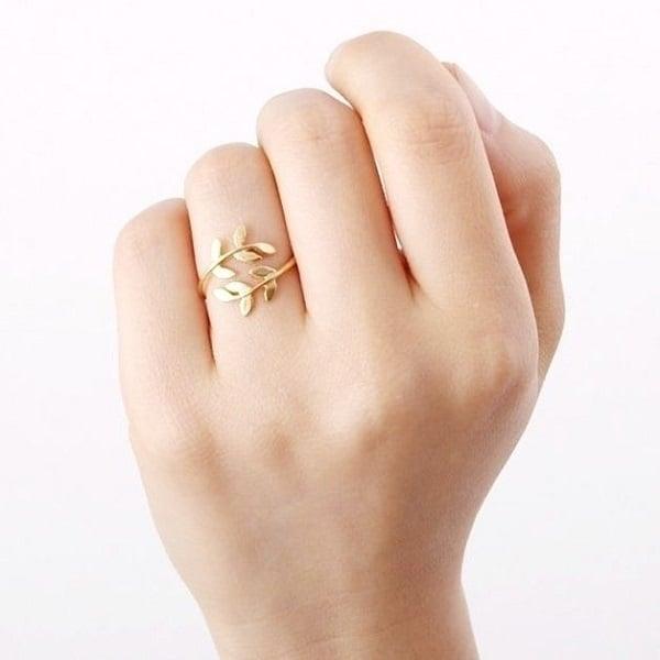 Nhẫn vàng tây nữ tinh xảo hơn vàng ta