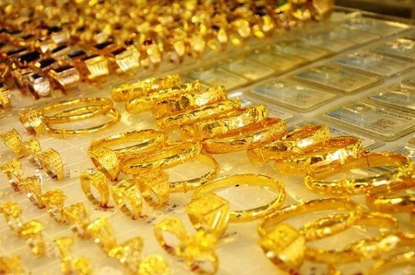 Hiện nay có rất nhiều mẫu nhẫn vàng được làm từ nhiều chất liệu khác nhau