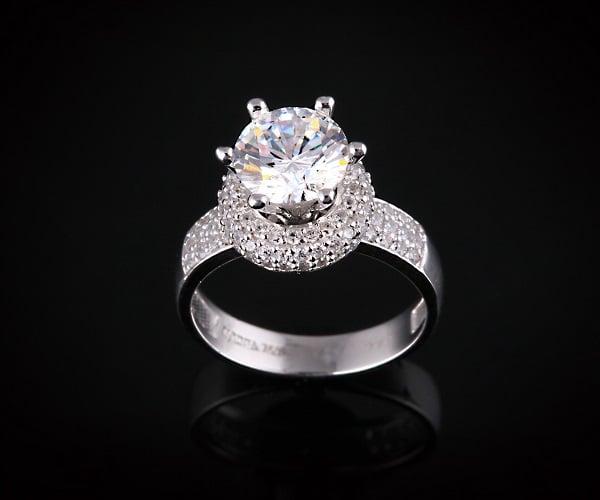 Số lượng đá quý và kim cương
