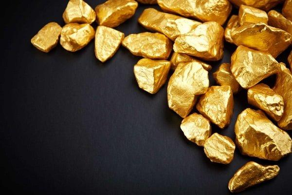 Vàng tây là một trong những chất liệu được tạo ra từ vàng nguyên chất và một số kim loại khác